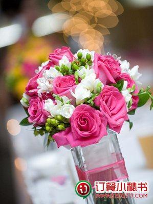 粉色系欧式插花图片