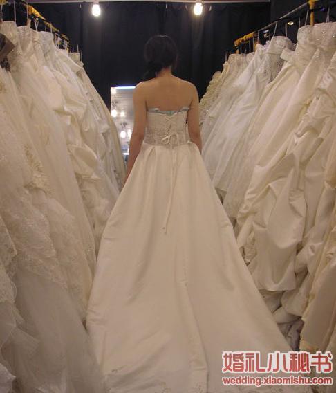 文版攻略省钱沪上-上海淘新娘全攻略_苏州_婚朱丽亚中秘笈婚纱图片